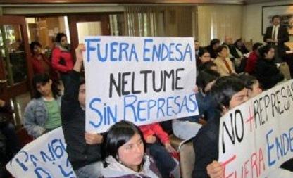 Protesta contra Proyecto Endesa - Enel en Neltume