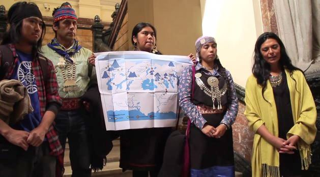 Captura Comunidades Mapuche-Williche presentan recurso legal para frenar hidroeléctricas en Pilmaiken (video)