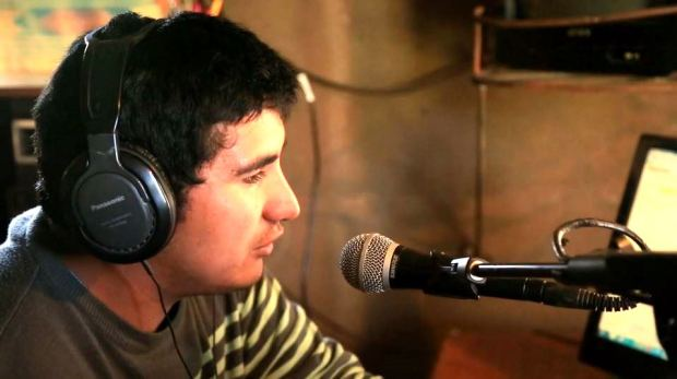 Captura ISLA LLEPU - Radio La Voz del Budi - Trailer Serie Documental (2014)