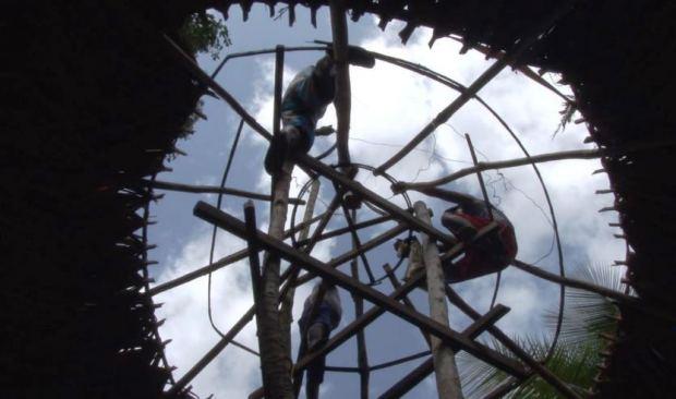 Captura DAIRA DADA DROA DE, La Casa de Nuestros Abuelos - Documental - Pueblo Embera (2015)