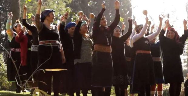 Captura AD LLALLIN, Escuela Autónoma y Autogestionada de Arte Textil - Documental (2015)